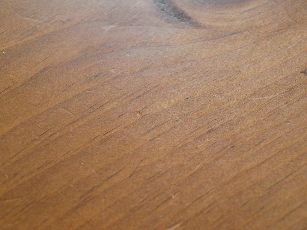 無垢テーブル 凹み