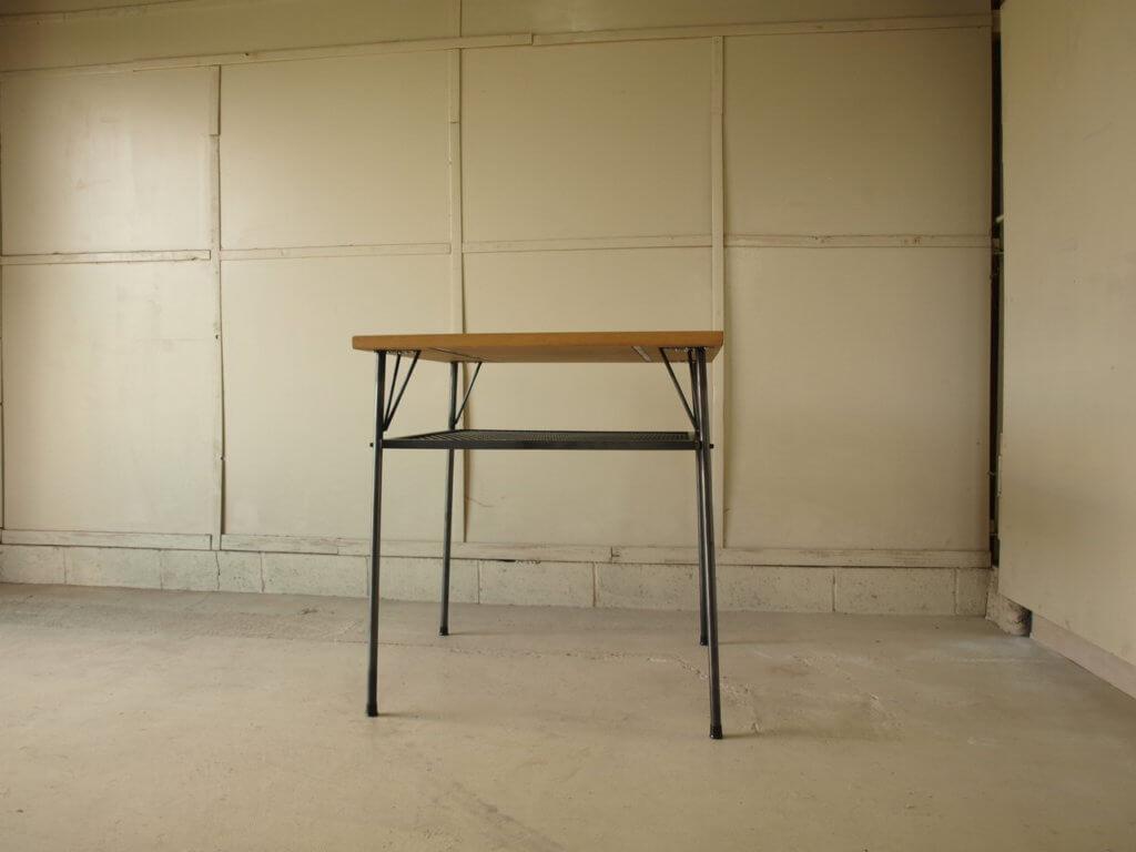 アイアンテーブル
