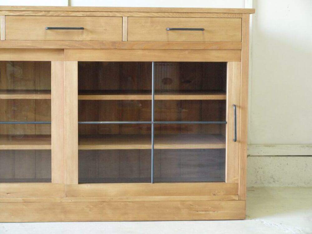 サイドボード カウンター テーブル モミの木 特注家具 オーダー家具 アイアン取手 ガラス引戸 無垢家具